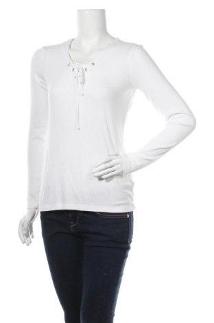 Дамска блуза Esmara, Размер M, Цвят Бял, 98% вискоза, 2% еластан, Цена 17,85лв.