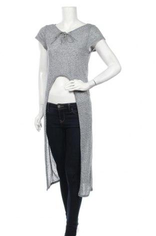 Γυναικεία μπλούζα Vert De Rage, Μέγεθος M, Χρώμα Μπλέ, 85% πολυεστέρας, 15% λινό, Τιμή 4,32€