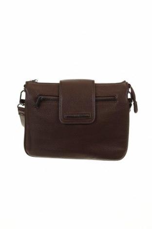Γυναικεία τσάντα Diana Ferrari, Χρώμα Καφέ, Δερματίνη, Τιμή 19,70€