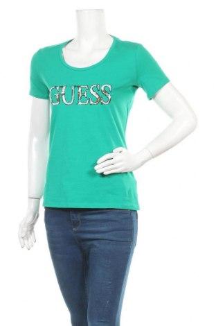 Γυναικείο t-shirt Guess, Μέγεθος M, Χρώμα Πράσινο, 95% βαμβάκι, 5% ελαστάνη, Τιμή 30,54€