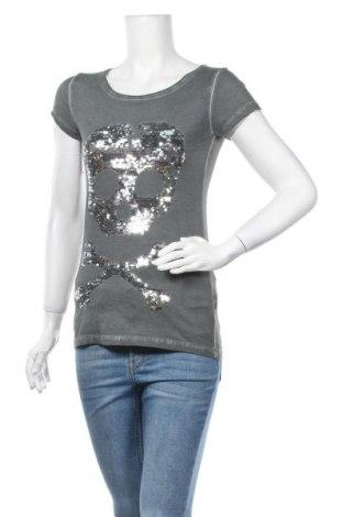 Γυναικείο t-shirt Madonna, Μέγεθος XS, Χρώμα Πράσινο, Βαμβάκι, Τιμή 9,25€