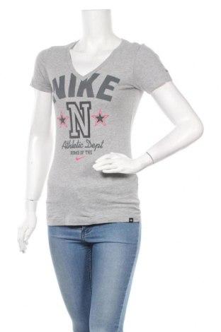 Дамска тениска Nike, Размер S, Цвят Сив, Цена 19,04лв.