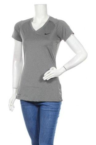 Дамска тениска Nike, Размер M, Цвят Сив, 84% полиестер, 16% еластан, Цена 24,10лв.