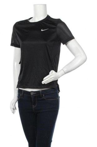 Дамска тениска Nike, Размер S, Цвят Черен, Полиестер, Цена 24,78лв.