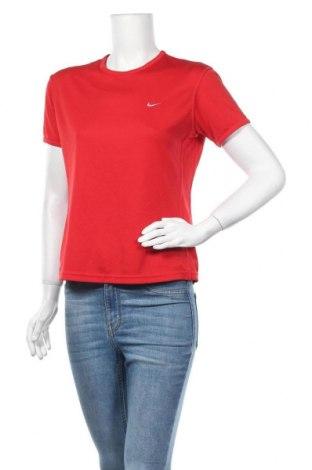 Дамска тениска Nike, Размер M, Цвят Червен, Полиестер, Цена 16,80лв.