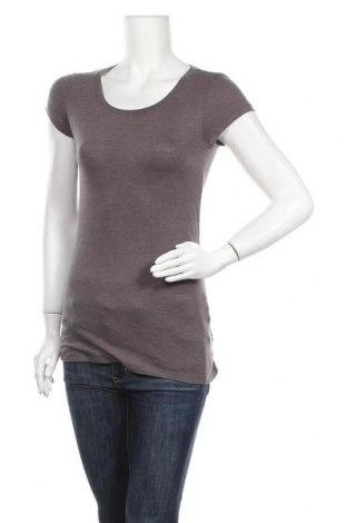 Γυναικείο t-shirt No Boundaries, Μέγεθος M, Χρώμα Γκρί, 60% βαμβάκι, 40% πολυεστέρας, Τιμή 10,39€