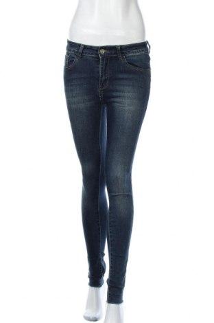 Дамски дънки, Размер XS, Цвят Син, 80% памук, 17% полиестер, 3% еластан, Цена 10,50лв.