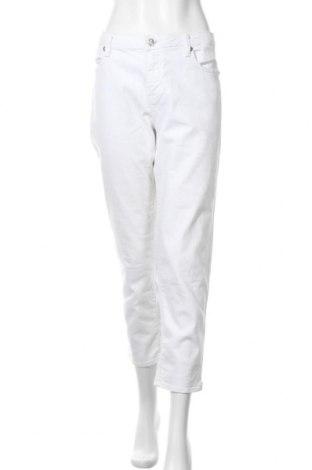 Дамски дънки, Размер XL, Цвят Бял, 98% памук, 2% еластан, Цена 18,90лв.