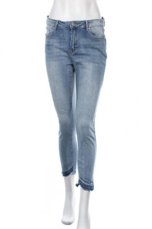 Дамски дънки Chicoree, Размер M, Цвят Син, 72% памук, 26% полиестер, 2% еластан, Цена 24,15лв.