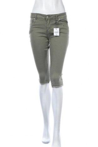 Дамски дънки Chicoree, Размер M, Цвят Зелен, 76% памук, 22% полиестер, 2% еластан, Цена 13,97лв.