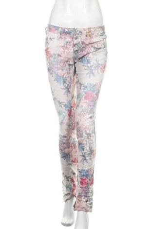 Дамски дънки Please, Размер M, Цвят Многоцветен, 75% памук, 22% полиестер, 3% еластан, Цена 114,92лв.