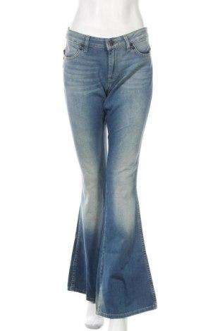 Дамски дънки Wrangler, Размер L, Цвят Син, 98% памук, 2% еластан, Цена 66,75лв.