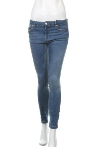 Дамски дънки Zara, Размер M, Цвят Син, 55% лиосел, 37% памук, 6% полиестер, 2% еластан, Цена 17,33лв.
