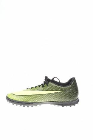 Дамски обувки Nike, Размер 40, Цвят Зелен, Еко кожа, Цена 49,17лв.