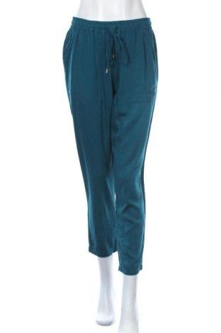 Дамски панталон Maddison, Размер M, Цвят Зелен, Вискоза, Цена 25,20лв.
