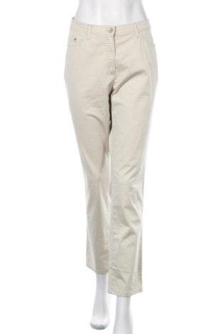 Дамски панталон Raphaela By Brax, Размер XL, Цвят Бежов, 97% памук, 3% еластан, Цена 21,95лв.