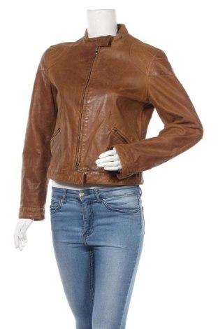 Дамско кожено яке Armani Jeans, Размер L, Цвят Кафяв, Естествена кожа, Цена 156,24лв.