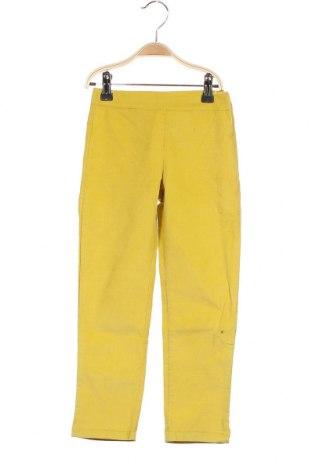 Παιδικό κοτλέ παντελόνι Little Celebs, Μέγεθος 5-6y/ 116-122 εκ., Χρώμα Κίτρινο, 94% βαμβάκι, 6% ελαστάνη, Τιμή 15,31€