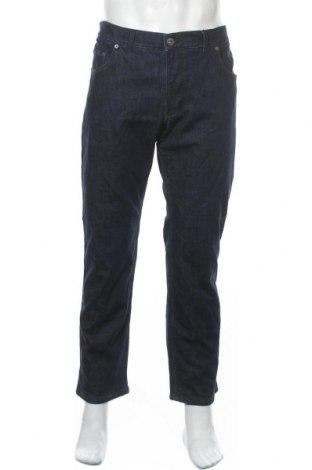 Мъжки дънки Brax, Размер XL, Цвят Син, 98% памук, 2% еластан, Цена 53,87лв.