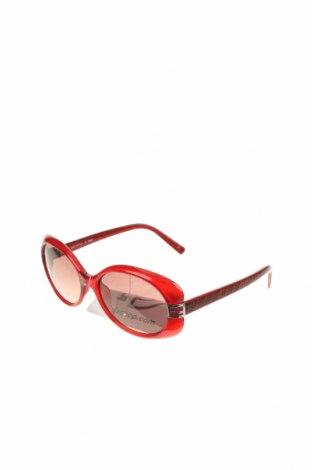 Слънчеви очила Fendi, Цвят Червен, Цена 245,07лв.