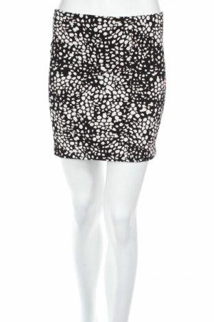 Пола H&M, Размер S, Цвят Черен, 95% памук, 5% еластан, Цена 5,06лв.