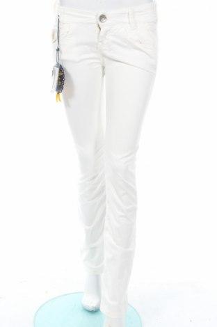 Дамски панталон Killah, Размер XS, Цвят Бял, 97% памук, 3% еластан, Цена 22,36лв.