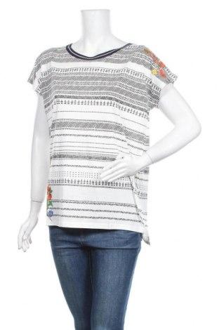 Γυναικεία μπλούζα Desigual, Μέγεθος M, Χρώμα Λευκό, 69% lyocell, 31% βαμβάκι, Τιμή 19,28€
