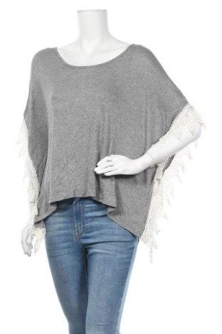 Γυναικεία μπλούζα Piping Hot, Μέγεθος XL, Χρώμα Γκρί, Βισκόζη, ελαστάνη, Τιμή 10,56€
