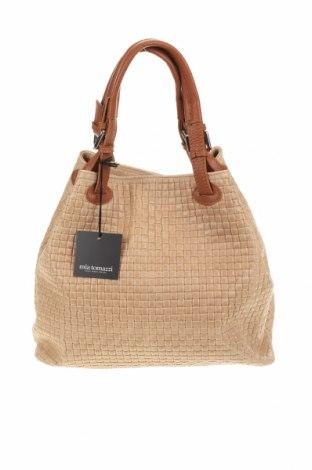 Дамска чанта Mia Tomazzi, Цвят Бежов, Естествена кожа, Цена 210,97лв.