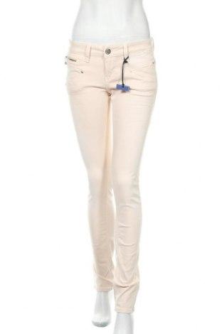 Дамски дънки Freeman T. Porter, Размер M, Цвят Розов, 71% памук, 19% лиосел, 7% полиестер, 3% еластан, Цена 62,55лв.