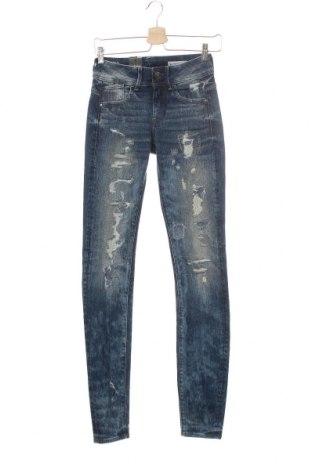 Дамски дънки G-Star Raw, Размер XS, Цвят Син, 99% памук, 1% еластан, Цена 143,40лв.