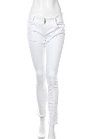 Дамски дънки Haily`s, Размер XL, Цвят Бял, 98% памук, 2% еластан, Цена 41,40лв.