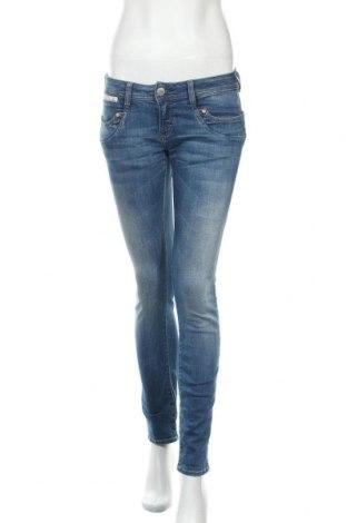Дамски дънки Herrlicher, Размер S, Цвят Син, 92% памук, 6% полиестер, 2% еластан, Цена 98,02лв.