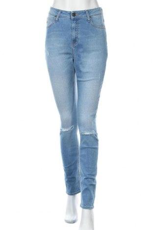 Дамски дънки Lee, Размер M, Цвят Син, 90% памук, 8% лиосел, 2% еластан, Цена 44,25лв.