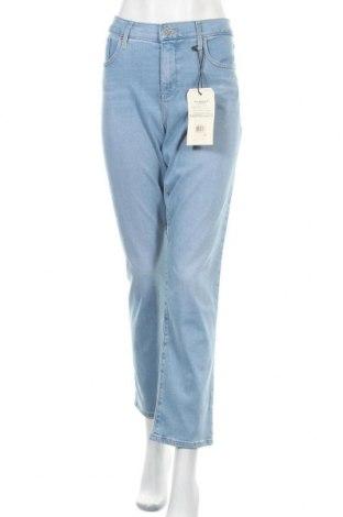 Дамски дънки Levi's, Размер XL, Цвят Син, 70% лиосел, 18% полиестер, 10% памук, 2% еластан, Цена 95,40лв.