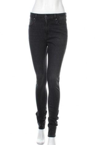 Дамски дънки Levi's, Размер M, Цвят Черен, 74% памук, 22% полиестер, 4% еластан, Цена 111,75лв.
