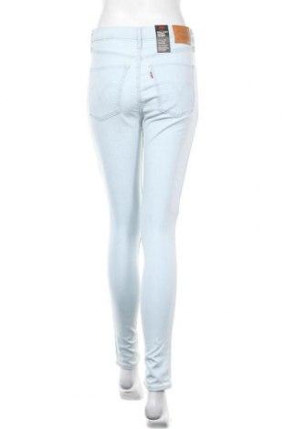 Дамски дънки Levi's, Размер M, Цвят Син, 97% памук, 3% еластан, Цена 104,25лв.