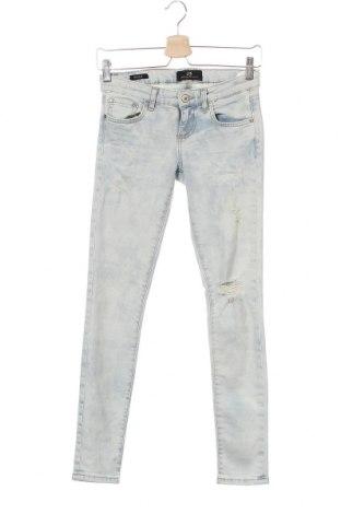 Дамски дънки Ltb, Размер XS, Цвят Син, 98% памук, 2% еластан, Цена 32,40лв.
