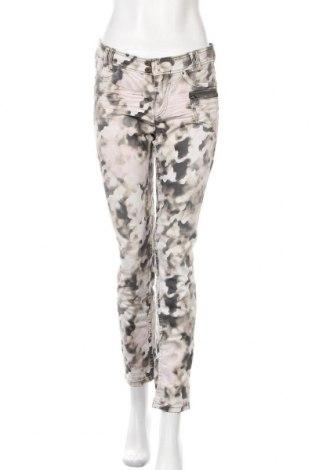 Дамски дънки Marc Cain Sports, Размер M, Цвят Многоцветен, 98% памук, 2% еластан, Цена 69,12лв.