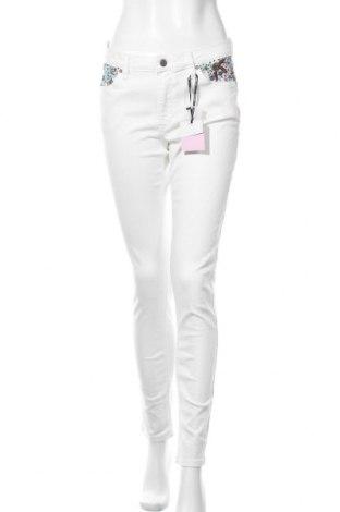 Γυναικείο Τζίν Naf Naf, Μέγεθος M, Χρώμα Λευκό, 97% βαμβάκι, 3% ελαστάνη, Τιμή 31,20€