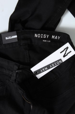 Дамски дънки Noisy May, Размер M, Цвят Черен, 75% памук, 18% полиестер, 5% вискоза, 2% еластан, Цена 28,62лв.