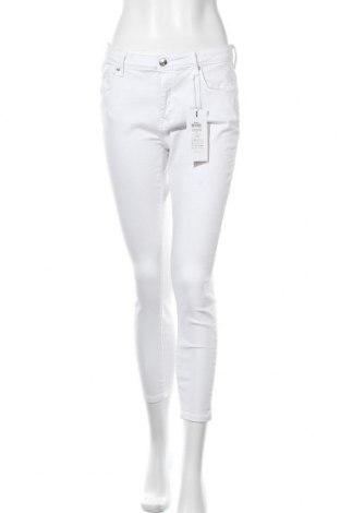 Дамски дънки ONLY, Размер M, Цвят Бял, 92% памук, 8% еластан, Цена 44,25лв.