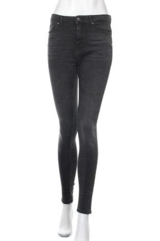 Дамски дънки ONLY, Размер M, Цвят Черен, 98% памук, 2% еластан, Цена 31,27лв.