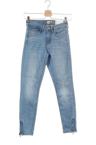 Дамски дънки ONLY, Размер XS, Цвят Син, 84% памук, 14% полиестер, 2% еластан, Цена 46,50лв.