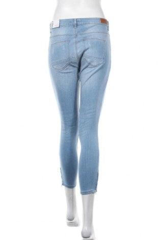 Дамски дънки ONLY, Размер M, Цвят Син, 84% памук, 14% полиестер, 2% еластан, Цена 41,40лв.