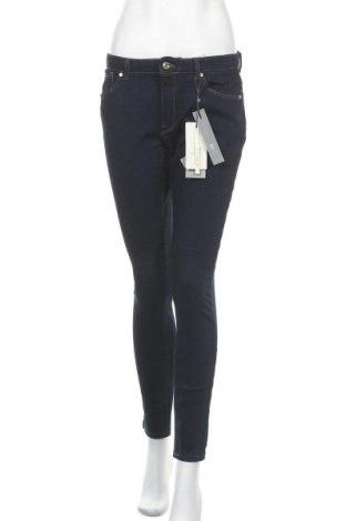 Дамски дънки ONLY, Размер M, Цвят Син, 68% памук, 20% вискоза, 8% еластан, 4% полиестер, Цена 59,25лв.