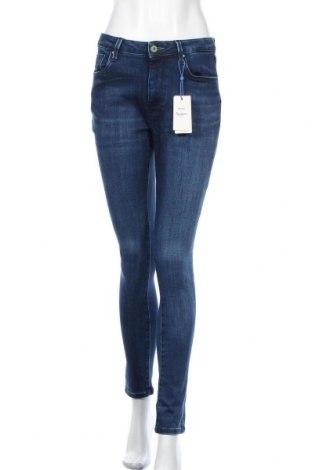 Дамски дънки Pepe Jeans, Размер M, Цвят Син, 92% памук, 6% полиестер, 8% еластан, Цена 64,22лв.