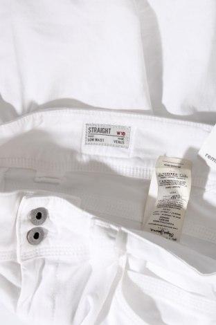 Дамски дънки Pepe Jeans, Размер L, Цвят Бял, 97% памук, 3% еластан, Цена 71,55лв.