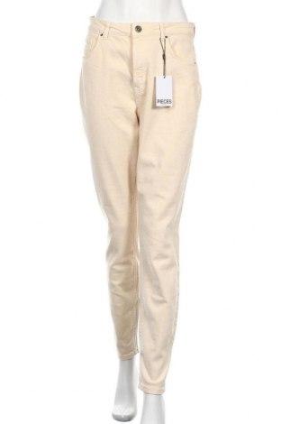 Дамски дънки Pieces, Размер M, Цвят Бежов, 98% памук, 2% еластан, Цена 41,40лв.