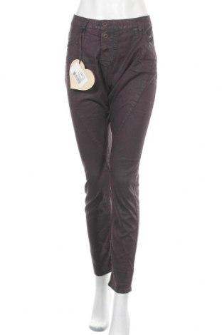 Дамски дънки Please, Размер L, Цвят Лилав, 98% памук, 2% еластан, Цена 49,02лв.